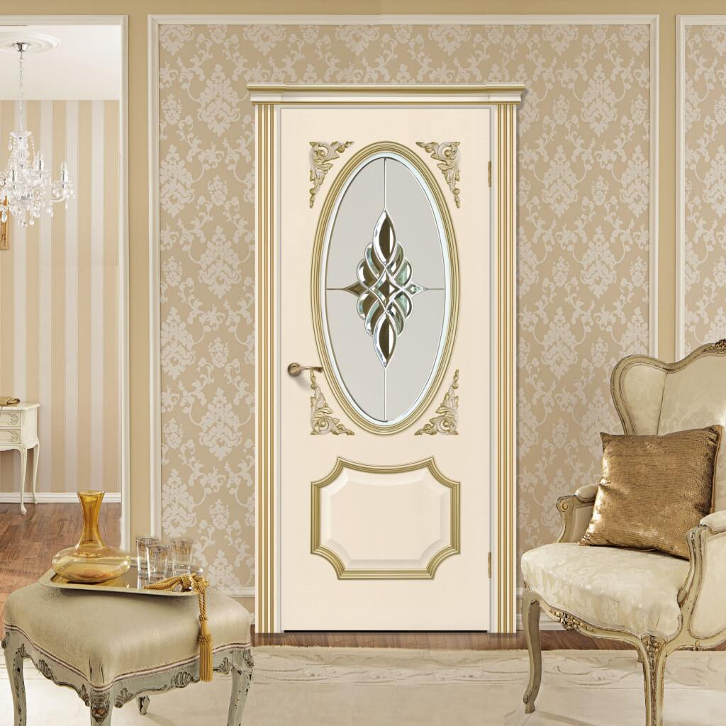 белые двери барокко в интерьере квартиры